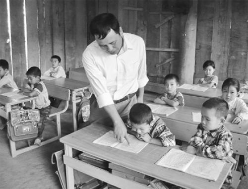 ke mot ki niem ve thay co giao ma em nho mai - Kể một kỉ niệm về thầy cô giáo mà em nhớ mãi