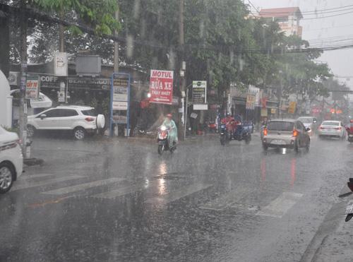 ta canh duong pho khi troi mua - Tả cảnh đường phố khi trời mưa