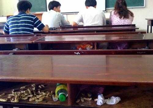 unnamed file 39 - Suy nghĩ về hiện tượng xả rác trong trường học