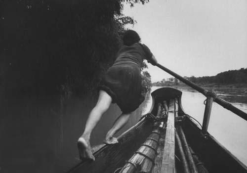 phan tich nguoi dan ba hang chai - [Văn mẫu học sinh giỏi] Phân tích hình ảnh người đàn bà hàng chài trong trong tác phẩm Chiếc thuyền ngoài xa