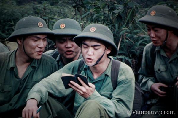 ve dep bi trang cua nguoi linh tay tien - [Văn mẫu học sinh giỏi] Phân tích vẻ đẹp bi tráng của hình tượng người lính trong bài thơ Tây Tiến của Quang Dũng