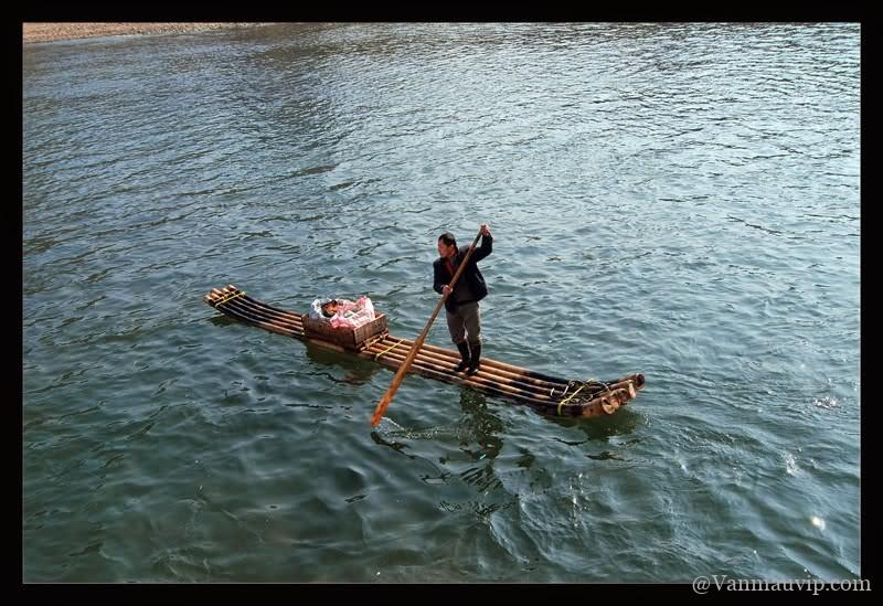 [Văn mẫu học sinh giỏi] Phân tích hình tượng người lái đò sông Đà trong tác phẩm Người lái đò sông Đà của Nguyễn Tuân