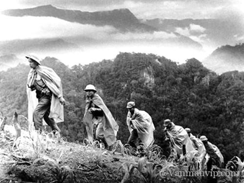 [Văn mẫu học sinh giỏi] Phân tích hình tượng người lính Tây Tiến trong bài thơ Tây Tiến của Quang Dũng