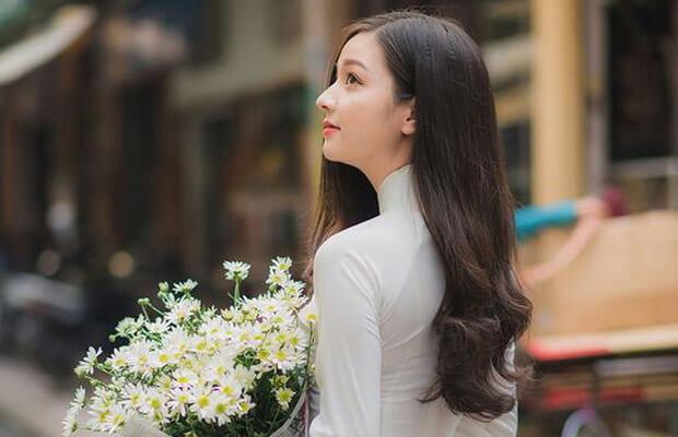 """Anh hot girl Viet xinh dep ta ao dai duyen dang - Bài văn Cảm nhận về hình ảnh người bà trong bài thơ """"Bếp lửa"""" hay"""
